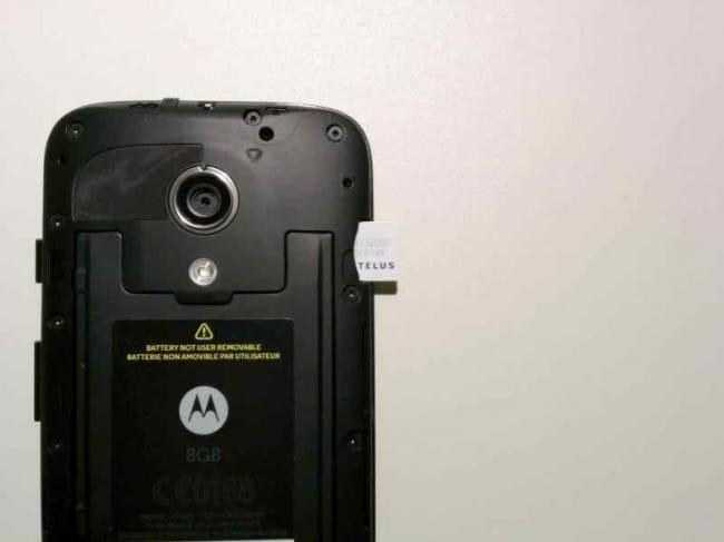 Unlock Motorola by Inserting a new SIM Card